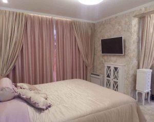 Спалня-пердета-и-шалте-възглавници