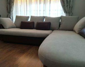 Претапициран диван с дамаска Froca